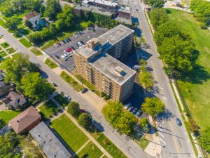 Family-Friendly Community at Breakwater Tower 1 Apartments in Cleveland, Ohio